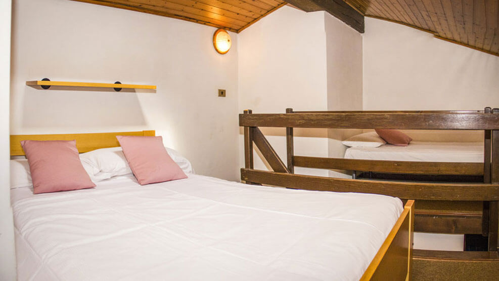 Bed and breakfast in Rovereto: Residence Concaverde offers you a relaxing atmosphere with swimming pool, clay tennis court, small trips, cultural events.